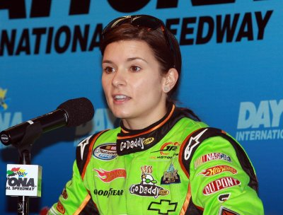 Danica's NASCAR debut delayed by rain