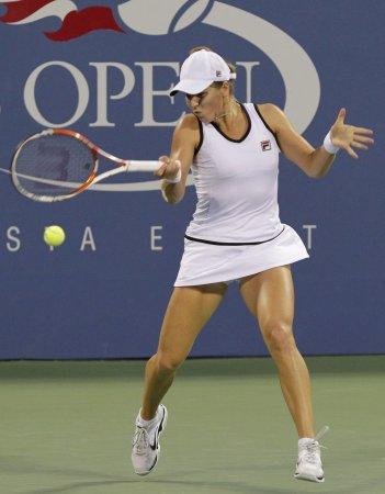 Kvitova downs Errani in Dubai title match