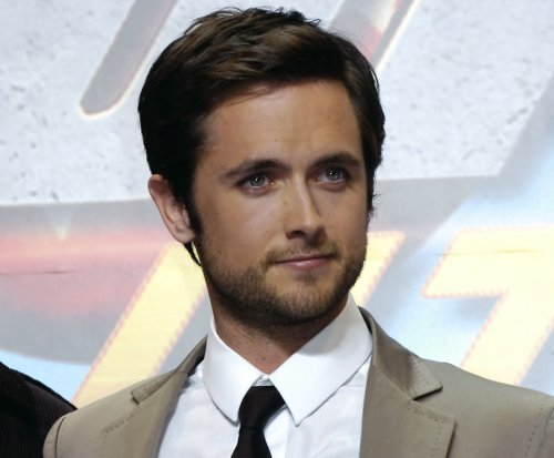 Justin Chatwin, Megan Ketch to star in CBS' 'American Gothic'