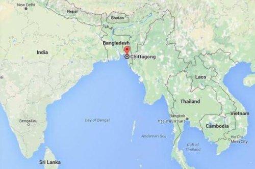 Half million flee homes as Cyclone Roanu hits Bangladesh