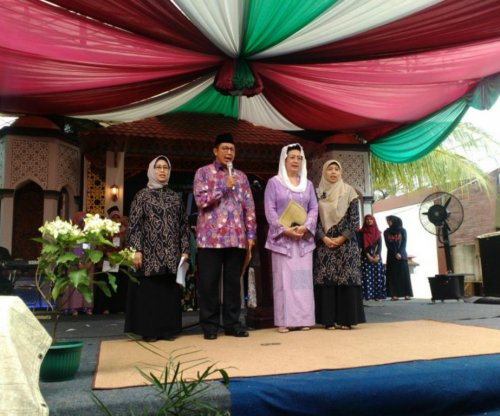 Female Muslim clerics meet in Indonesia, decry child marriage, spousal abuse