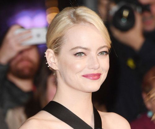 Emma Stone dating 'SNL' writer Dave McCary