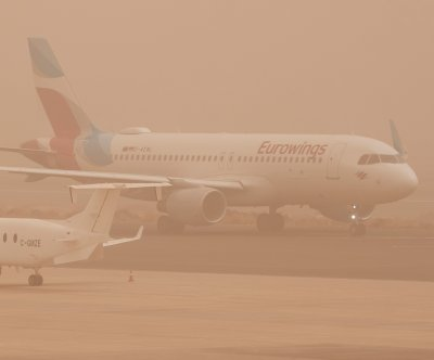 Flights resume on Canary Islands after blinding sandstorm