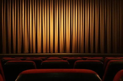 Reports: Cineworld, Regal movie theaters to close