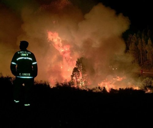 7 structures, including a home, destroyed in Santa Clara, Calif., wildfire