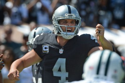 Derek Carr: Oakland Raiders lose QB, game to Denver Broncos