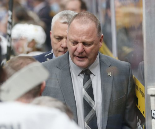 Vegas Golden Knights coach Gerard Gallant calls Sharks' Peter DeBoer 'clown'