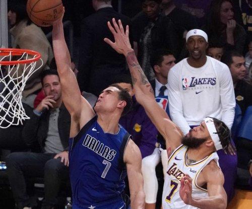 Dallas Mavericks' Dwight Powell suffers ruptured Achilles
