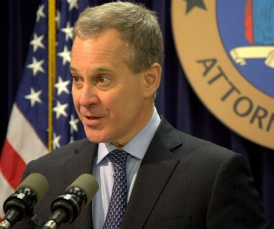 N.Y. attorney general launches inquiry into DraftKings, FanDuel fantasy football scandal