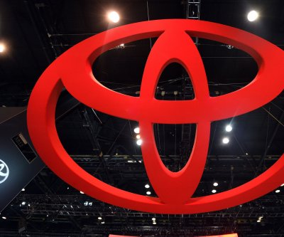 Toyota aims for 'self-driving' cars by 2020