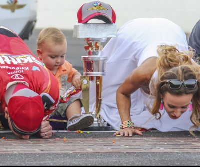 Kyle Busch dominates to take Combat Wounded Coalition 400