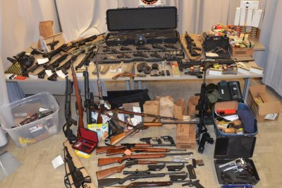 Police officer accused of illegally making guns, selling them to criminals