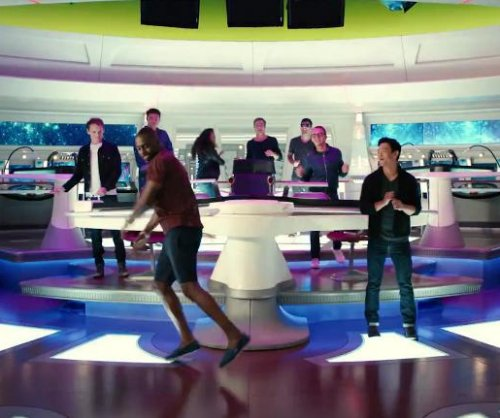 Watch Idris Elba breakdance to celebrate 'Star Trek 3' role