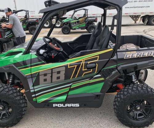 Aaron Rodgers gifts ATVs to Green Bay Packers' offensive line