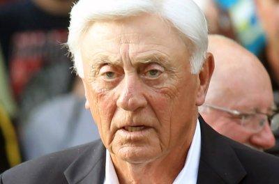 Hall of Fame knuckleballer Phil Niekro dies at 81