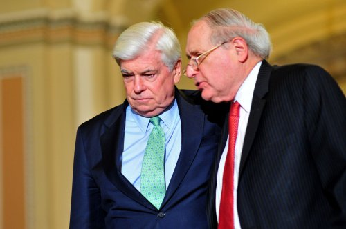 Ex-Senator Dodd takes film industry post
