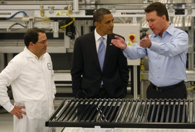 E-mails: No tit-for-tat in Solyndra loan