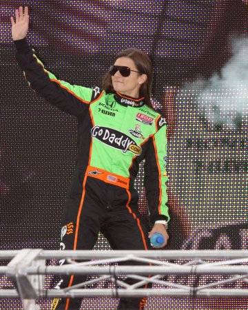 Danica Patrick to drive in Daytona 500