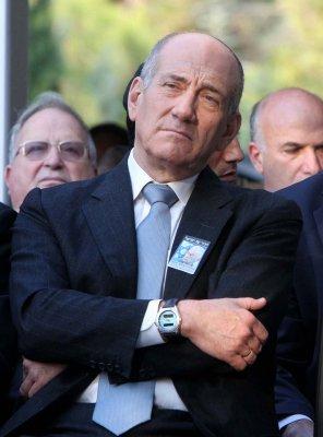 Israel AG warns Olmert of indictment