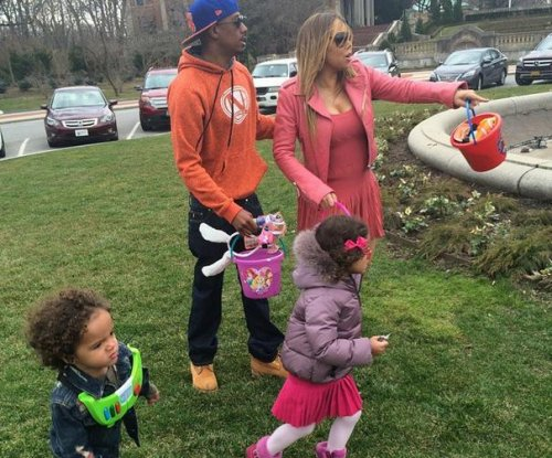 Mariah Carey, Nick Cannon spend Easter with their twins
