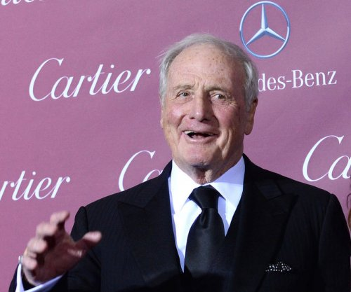 'Ocean's Eleven,' 'Karate Kid' producer Jerry Weintraub dead at 77