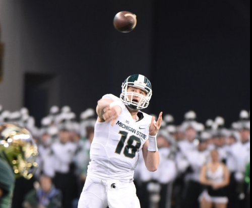 Michigan State football: Connor Cook passes Spartans past Hoosiers