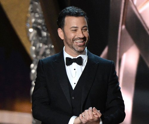 Jimmy Kimmel kisses camera in new Oscars promo