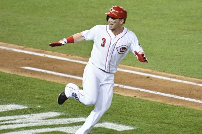 Reds place 2B Scooter Gennett on injured list