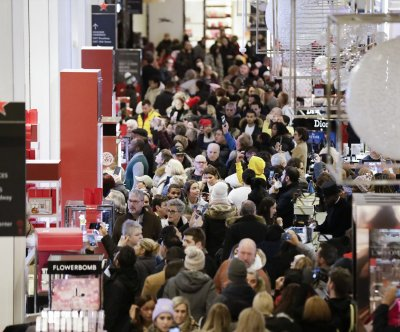 Record online sales fueled holiday shopping season, analysis shows - UPI News