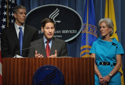 CDC director stresses H1N1 vaccine safety