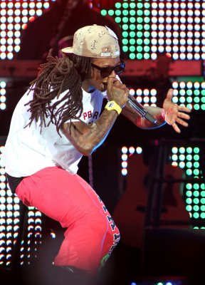 Lil Wayne on Twitter after seizure report