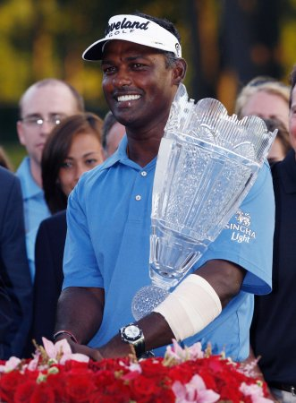 Singh wins Barclays, his 33rd tour title