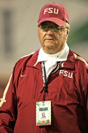 Bobby Bowden signs one-year extension