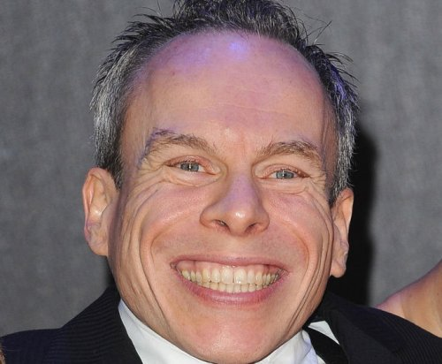 Warwick Davis to host British quiz show 'Tower of Ten'
