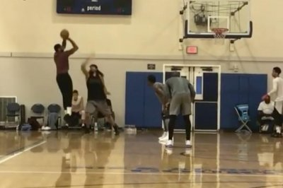 New York Knicks' Carmelo Anthony, Cleveland Cavaliers' Kyrie Irving team up in pickup game