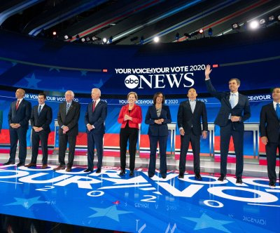 DNC raises polling, fundraising requirements for November debates
