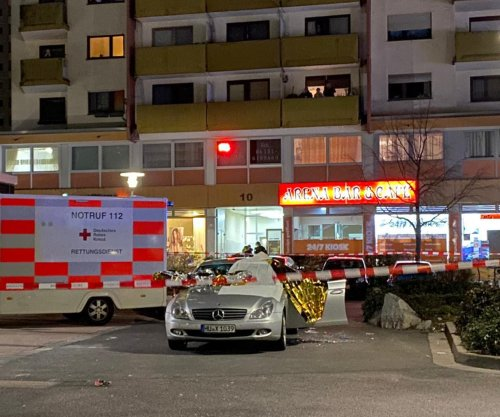 German police: 11 dead, including suspect, in shootings