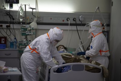 With ICUs full, Lebanon tightens COVID-19 lockdown