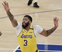 Lakers' Anthony Davis cleared for practice, expected to return soon