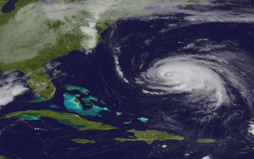 Katia heads north along U.S. East Coast