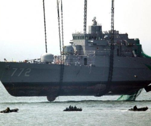 South Korea to keep economic sanctions against North Korea