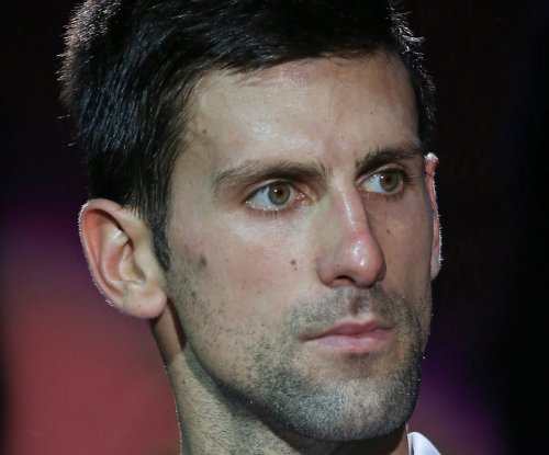 Novak Djokovic, Serena Williams advance at Indian Wells