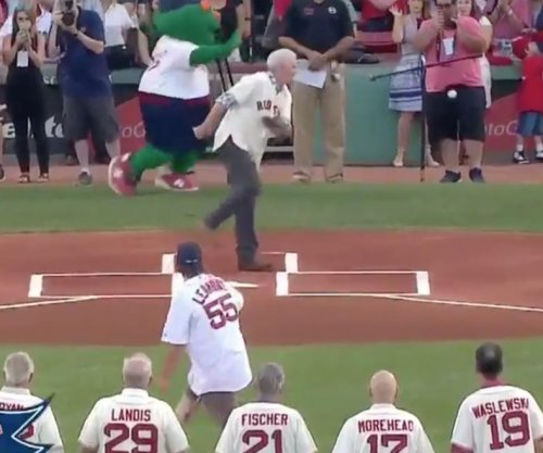 Boston Red Sox: Photographer hit in groin on ceremonial first pitch