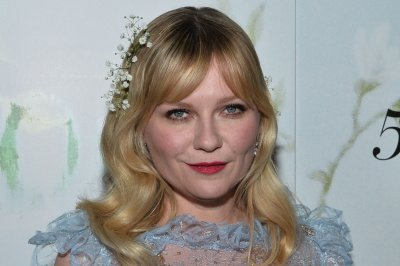 Kirsten Dunst goes ethereal at 'Woodshock' premiere