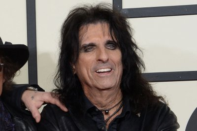Alice Cooper adds summer dates to North American tour