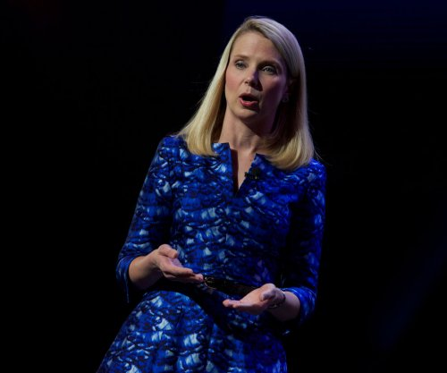 Yahoo! to lay off 15 percent of workforce, close offices, sell off assets in cost-cutting plan