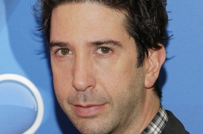 David Schwimmer, Jim Sturgess appear in first 'Feed the Beast' trailer