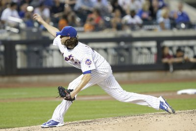 New York Mets pitcher Jacob deGrom tops San Diego Padres to win eighth straight start