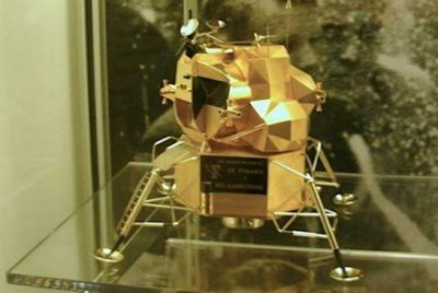 Astronaut Armstrong's gold 'Eagle' lunar lander replica stolen from museum