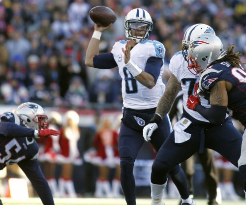 Tennessee Titans overcome sputtering start, outslug Seattle Seahawks in physical game